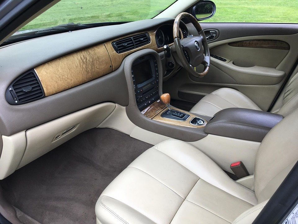 2006 Jaguar S-Type Stunning example SOLD (picture 5 of 6)