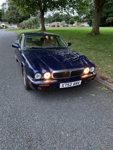 Picture of 2000 Jaguar XJ8