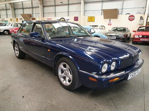 **OCTOBER ENTRY** 2001 Jaguar XJ8 Auto