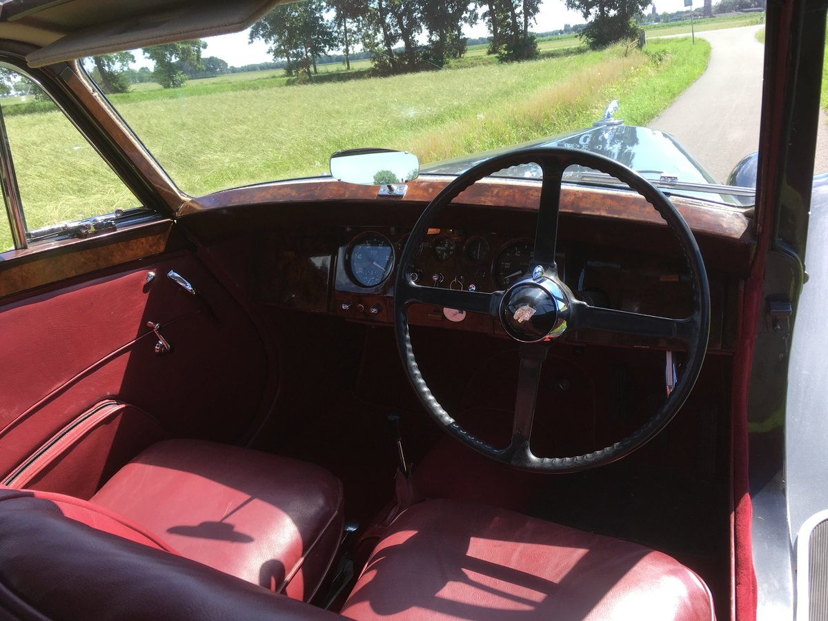 1949 Jaguar MK5 Saloon (right handed)  For Sale (picture 3 of 6)