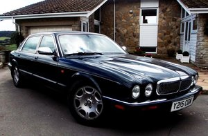 JAGUAR XJ8 SOVEREIGN LWB
