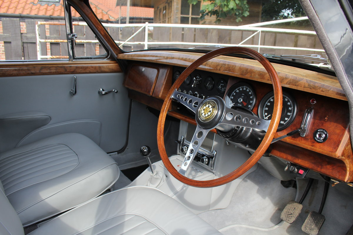 1965 Jaguar MkII 3.4 Manual with Overdrive, Over 25K Spent For Sale (picture 7 of 18)