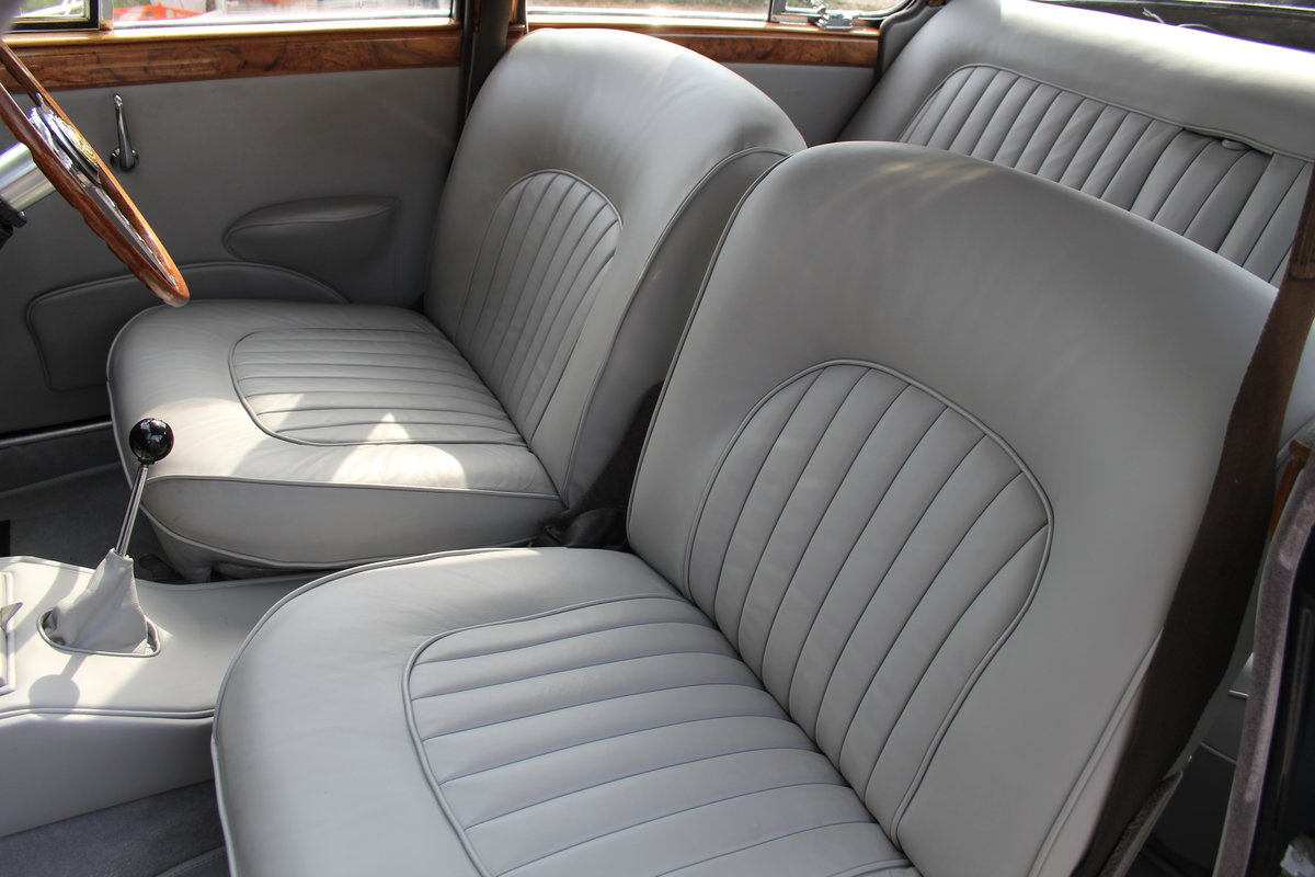 1965 Jaguar MkII 3.4 Manual with Overdrive, Over 25K Spent For Sale (picture 12 of 18)