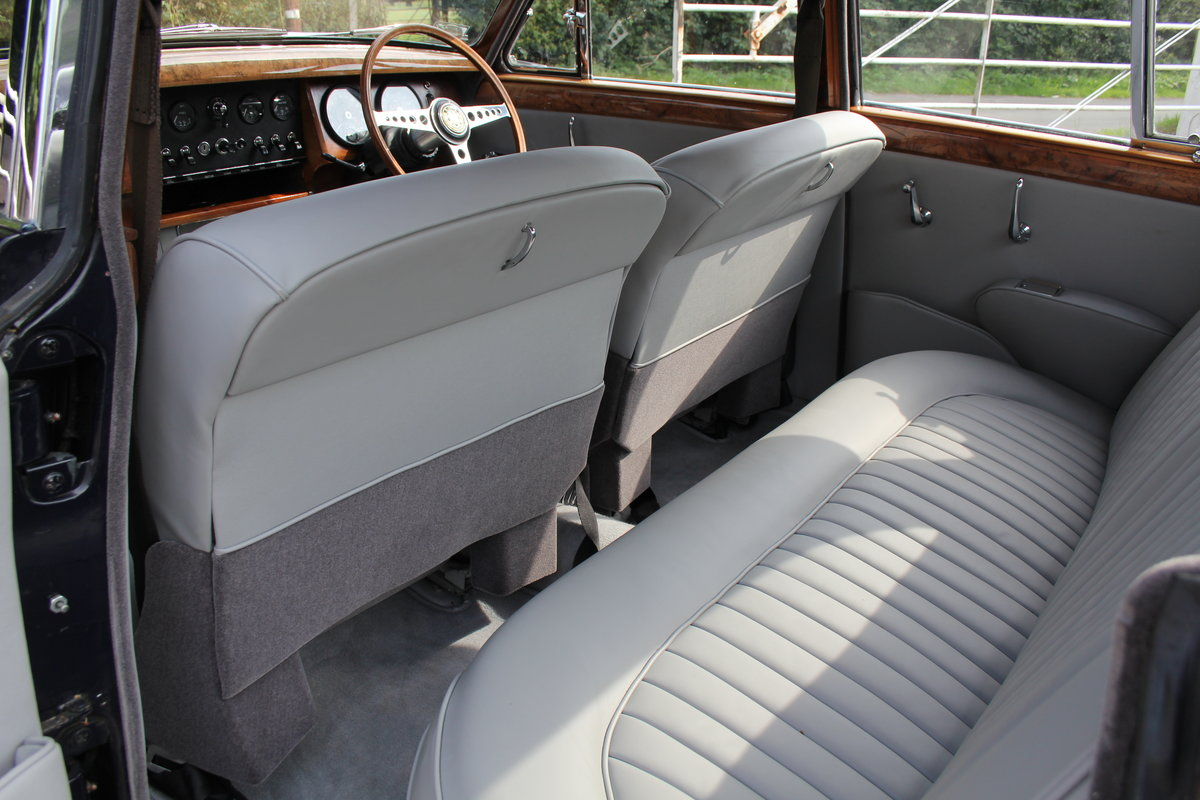 1965 Jaguar MkII 3.4 Manual with Overdrive, Over 25K Spent For Sale (picture 15 of 18)