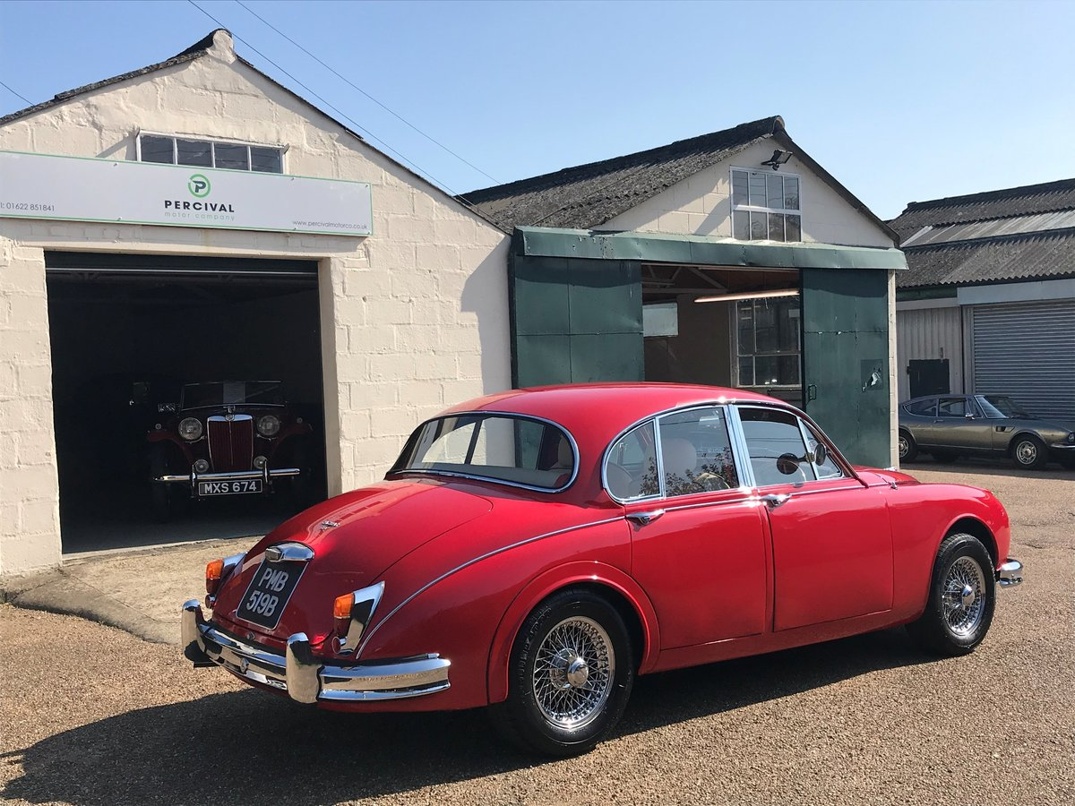 1964 Jaguar Mk 11 3.8 litre, manual gearbox, power steering For Sale (picture 2 of 6)