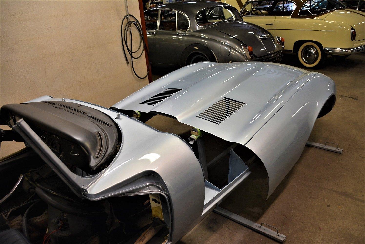 Jaguar E-Type 5,3l V12 Rdst S III 1973 For Sale (picture 4 of 6)