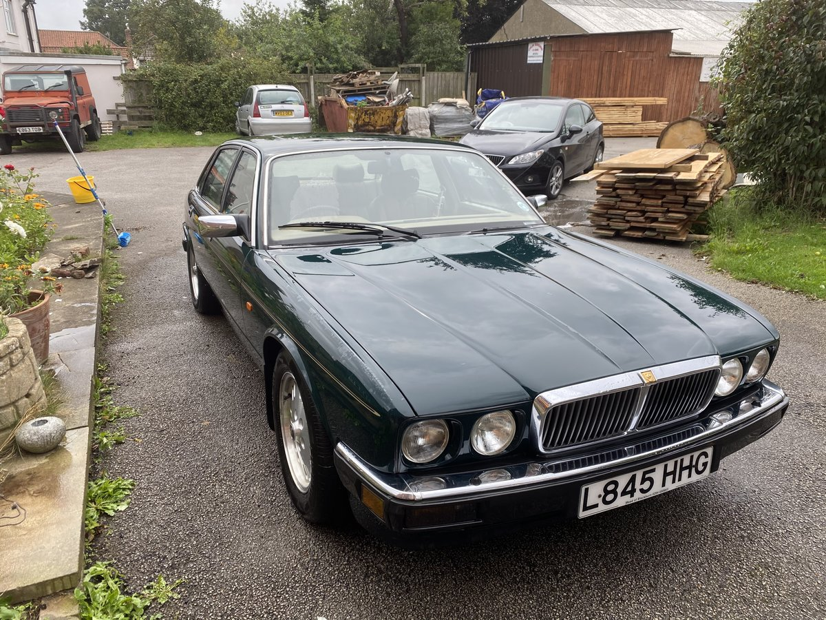 1994 Jaguar XJ6 Gold 3.2 Manual (Rare) - SOLD For Sale (picture 1 of 6)