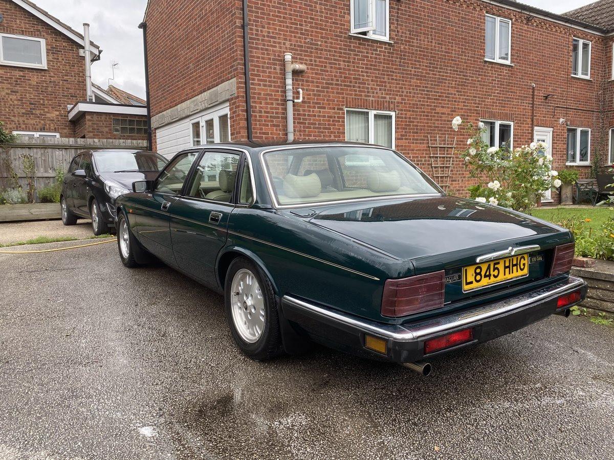 1994 Jaguar XJ6 Gold 3.2 Manual (Rare) - SOLD For Sale (picture 3 of 6)