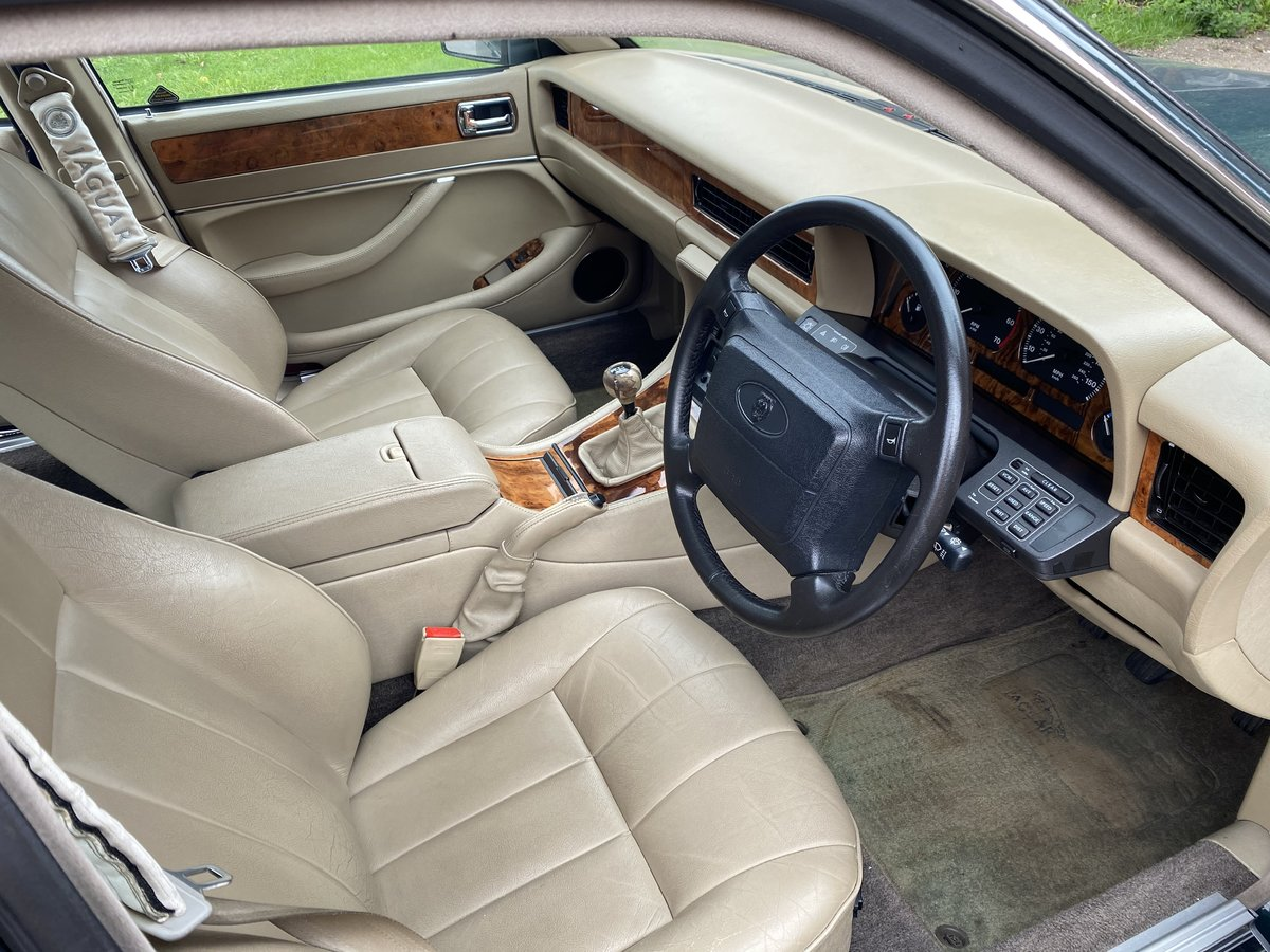 1994 Jaguar XJ6 Gold 3.2 Manual (Rare) - SOLD For Sale (picture 4 of 6)