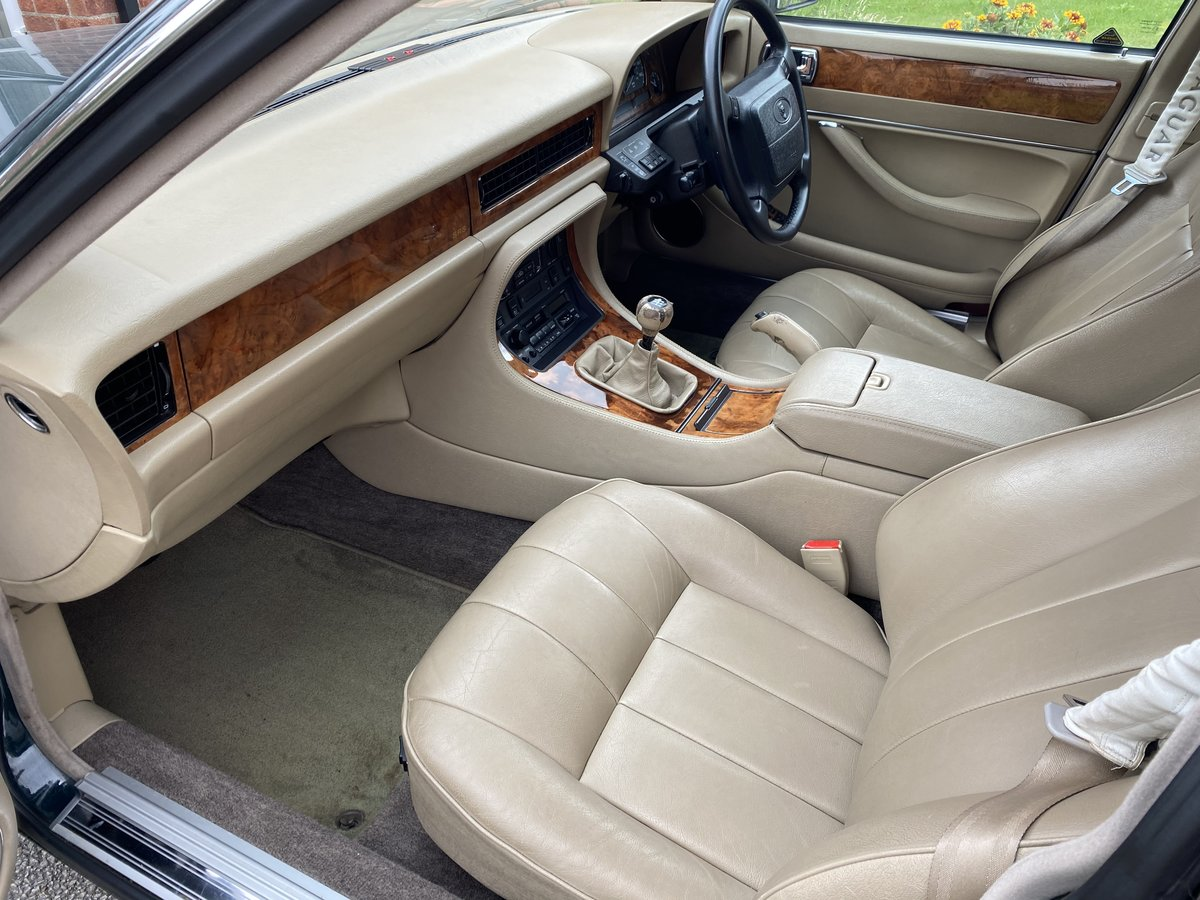 1994 Jaguar XJ6 Gold 3.2 Manual (Rare) - SOLD For Sale (picture 5 of 6)