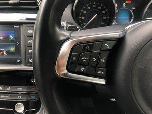 201666 Jaguar F-PACE
