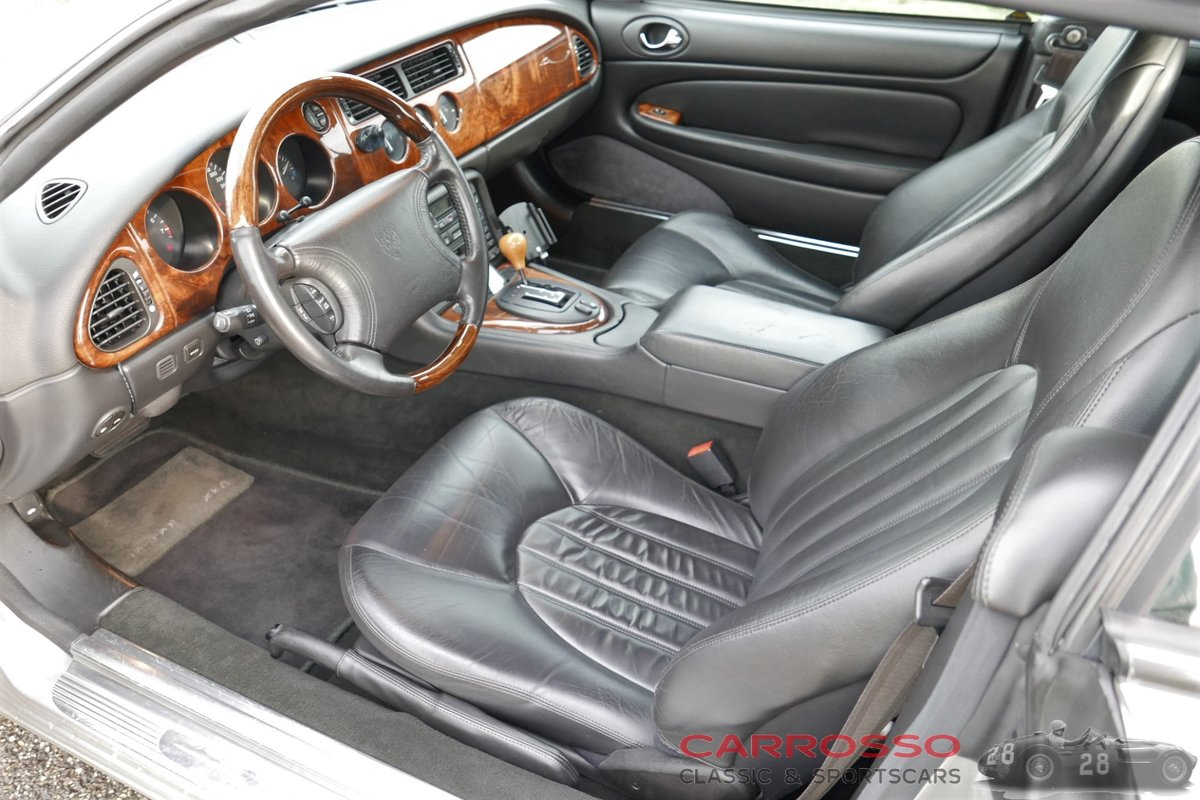1999 Jaguar XK8 4.0 V8 Convertible in good condition For Sale (picture 3 of 6)