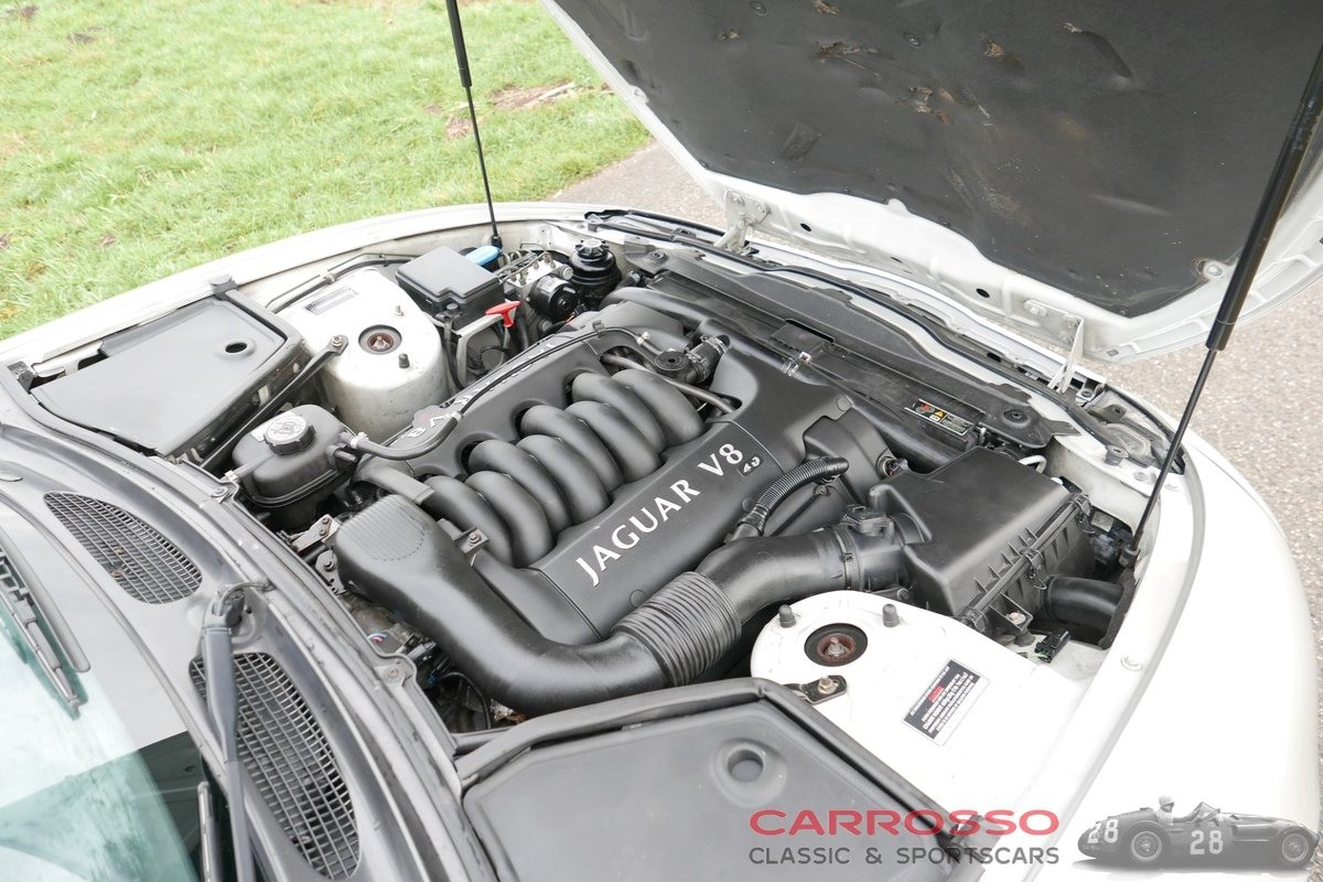 1999 Jaguar XK8 4.0 V8 Convertible in good condition For Sale (picture 5 of 6)