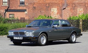 Picture of 1990 Jaguar Sovereign 4.0 For Sale by Auction