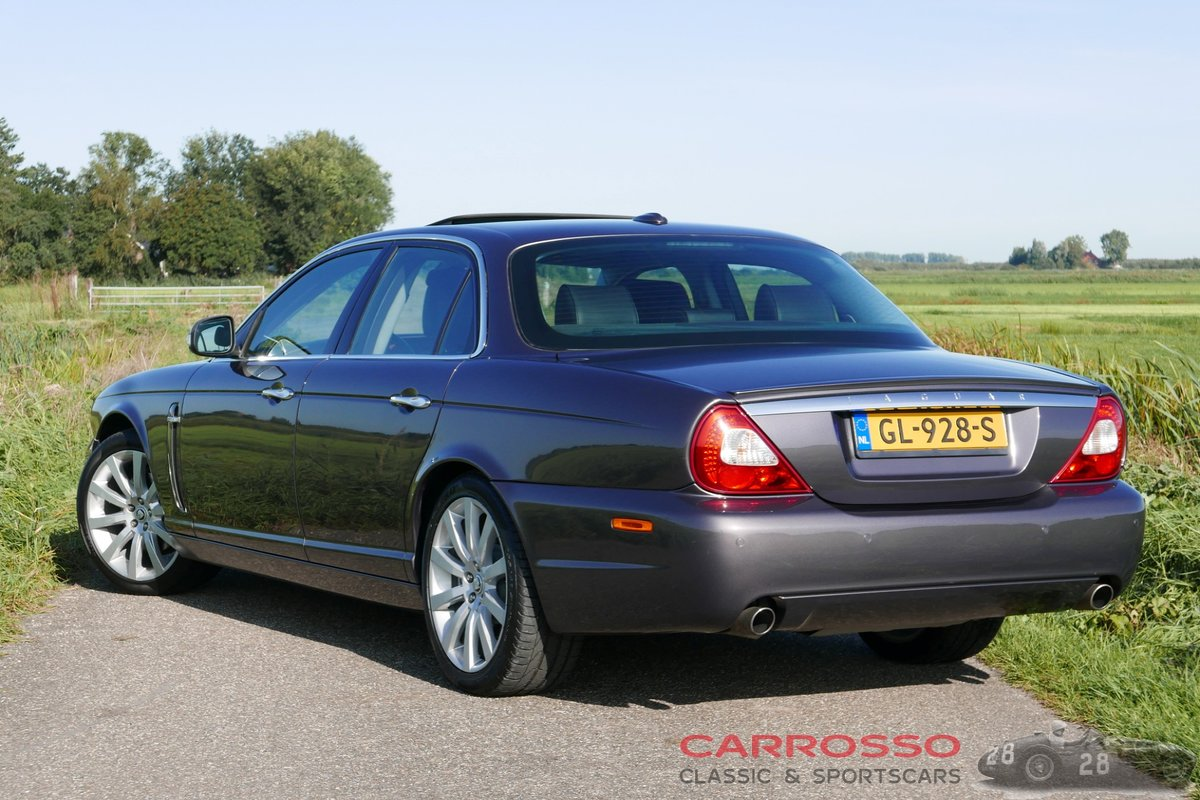 2007 Jaguar XJ 2.7D V6 Sovereign in very good condition For Sale (picture 2 of 6)