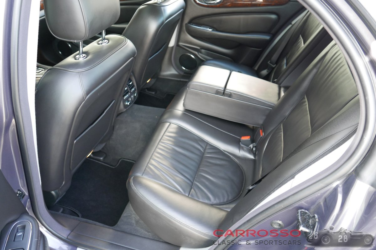 2007 Jaguar XJ 2.7D V6 Sovereign in very good condition For Sale (picture 6 of 6)