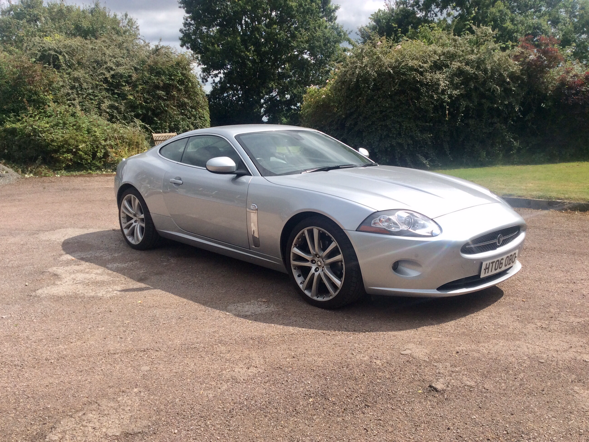 Jaguar XK8 (alloy body)