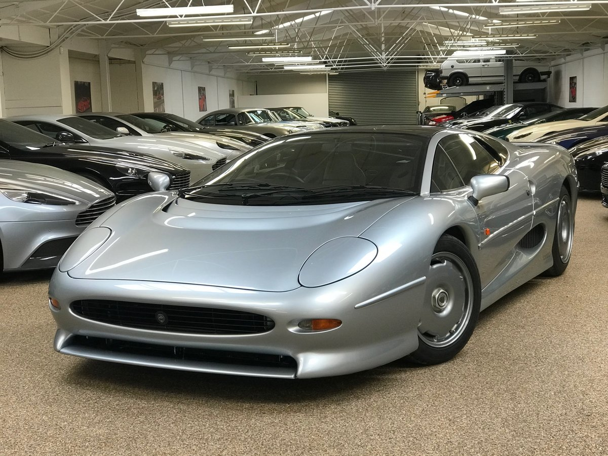 1993 JAGUAR XJ220 ** ONLY 7,555 MILES AND RHD** For Sale (picture 3 of 6)