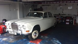 Picture of 1967 Jaguar 420 'Some Assembly Required'