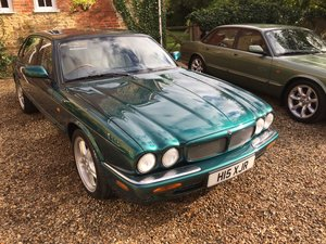 Picture of 1998 Mint 41,000 XJR, with unique reg number