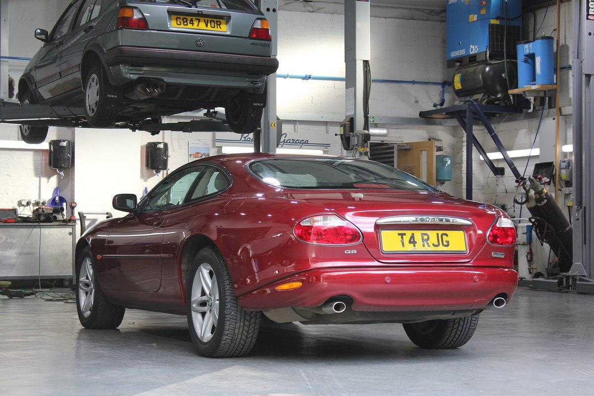 2002 Jaguar XK8 4.2L Coupe For Sale (picture 3 of 6)