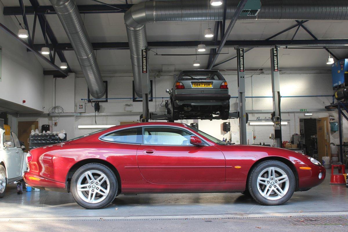 2002 Jaguar XK8 4.2L Coupe For Sale (picture 5 of 6)