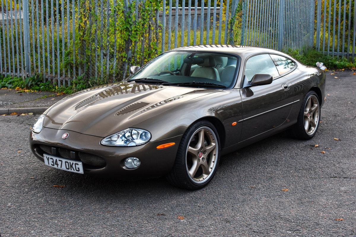 2001 Jaguar XKR 4.0 Supercharged Roman Bronze 1 of 70 For Sale (picture 1 of 6)