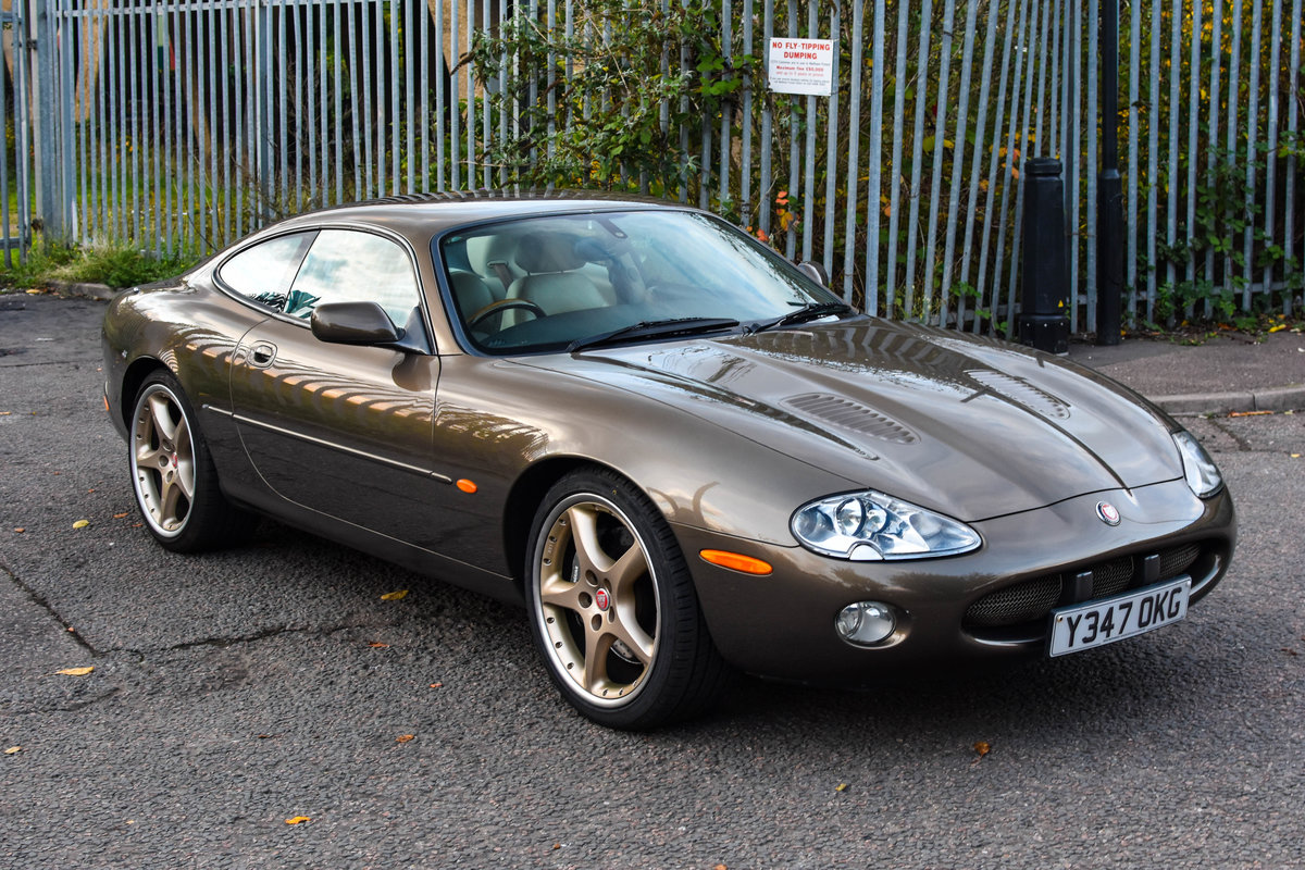 2001 Jaguar XKR 4.0 Supercharged Roman Bronze 1 of 70 For Sale (picture 2 of 6)