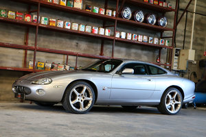Picture of 2000 Very nice Jaguar XKR coupé