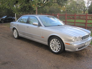 Picture of 2004 Jaguar XJ8