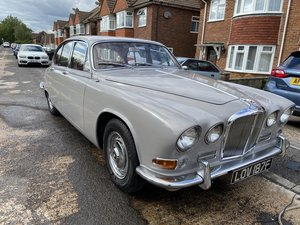 Picture of 1967 Jaguar 420 - Warwick Grey with auto and PS