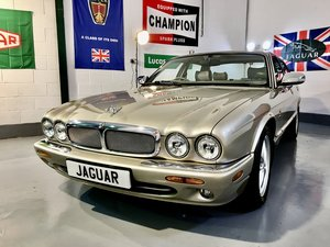 Picture of 1998 Jaguar XJ8 X308 4.0 V8 - Concourse Condition Only 38K Miles