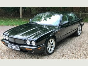 Picture of 1998 Jaguar XJR Supercharged 4.0 V8 (X308)
