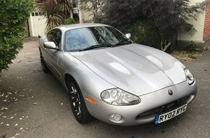 Picture of 2002 JAGUAR XKR