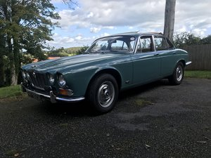 Picture of A 1972 Jaguar XJ6 4.2 - 11/11/2020 SOLD by Auction
