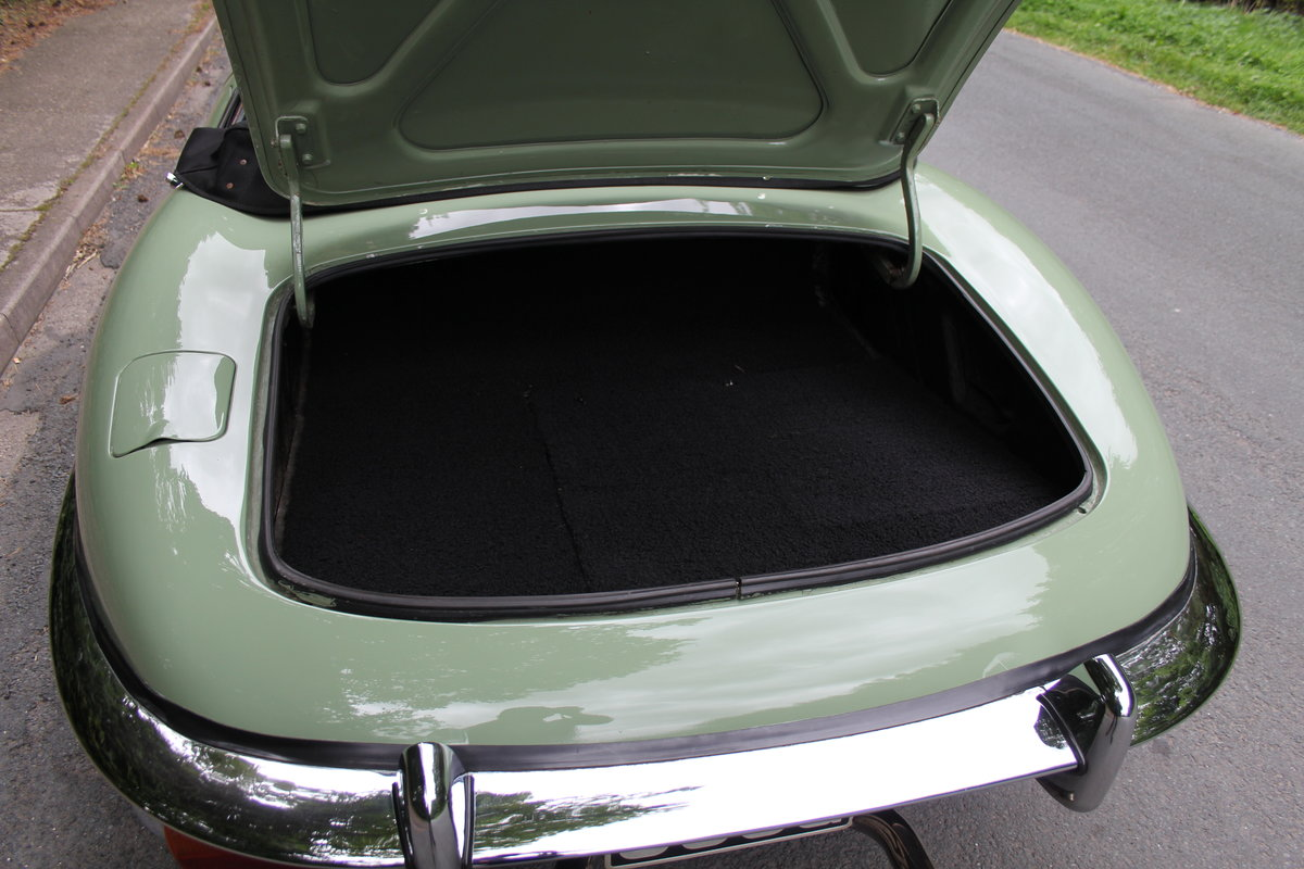1968 Jaguar E-Type Series II 4.2 Roadster, Matching No's For Sale (picture 15 of 17)
