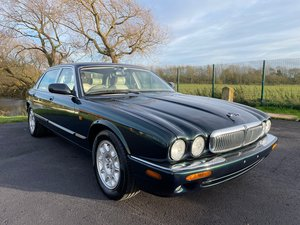 Picture of 1999 JAGUAR XJ V8 4.0 AUTOMATIC * LOW MILEAGE * MODERN CLASSIC For Sale