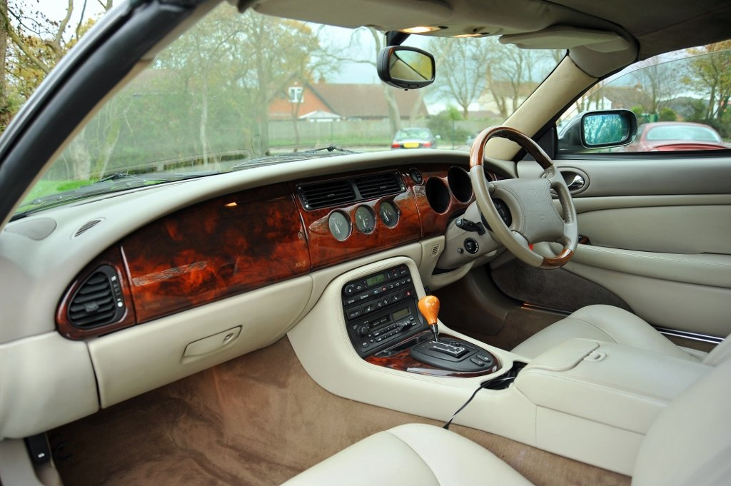 1997 Jaguar XK8 Appreciating Modern Classic For Sale (picture 6 of 6)