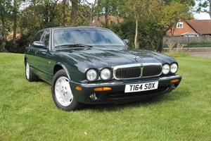 Low Mileage Jaguar XJ8 Japanese Import