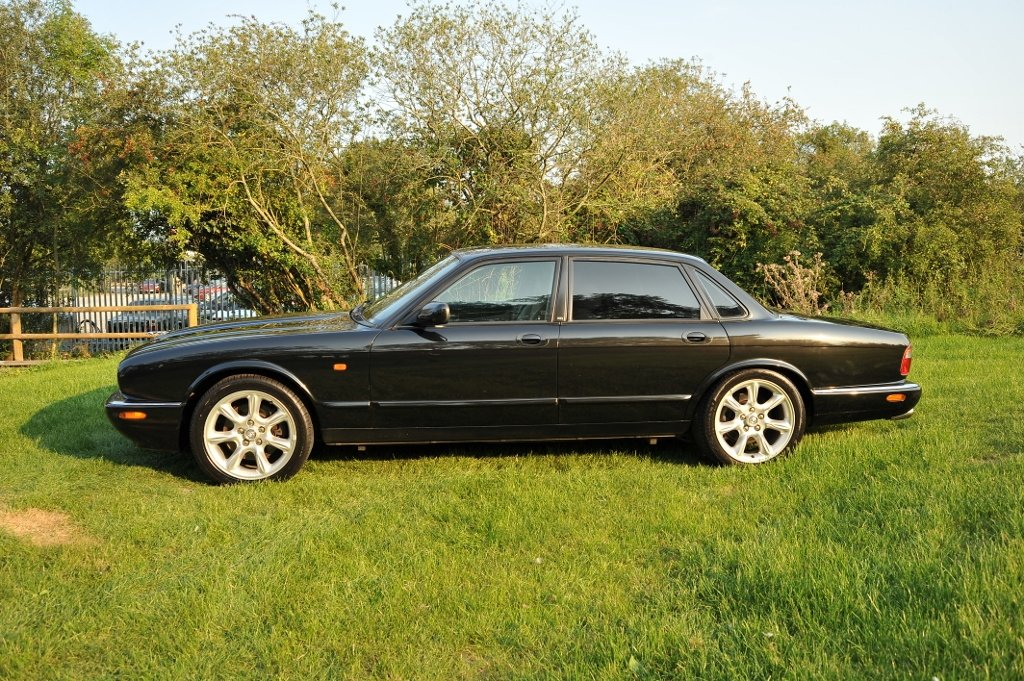 1999 Japanese Import Jaguar XJR For Sale (picture 3 of 6)