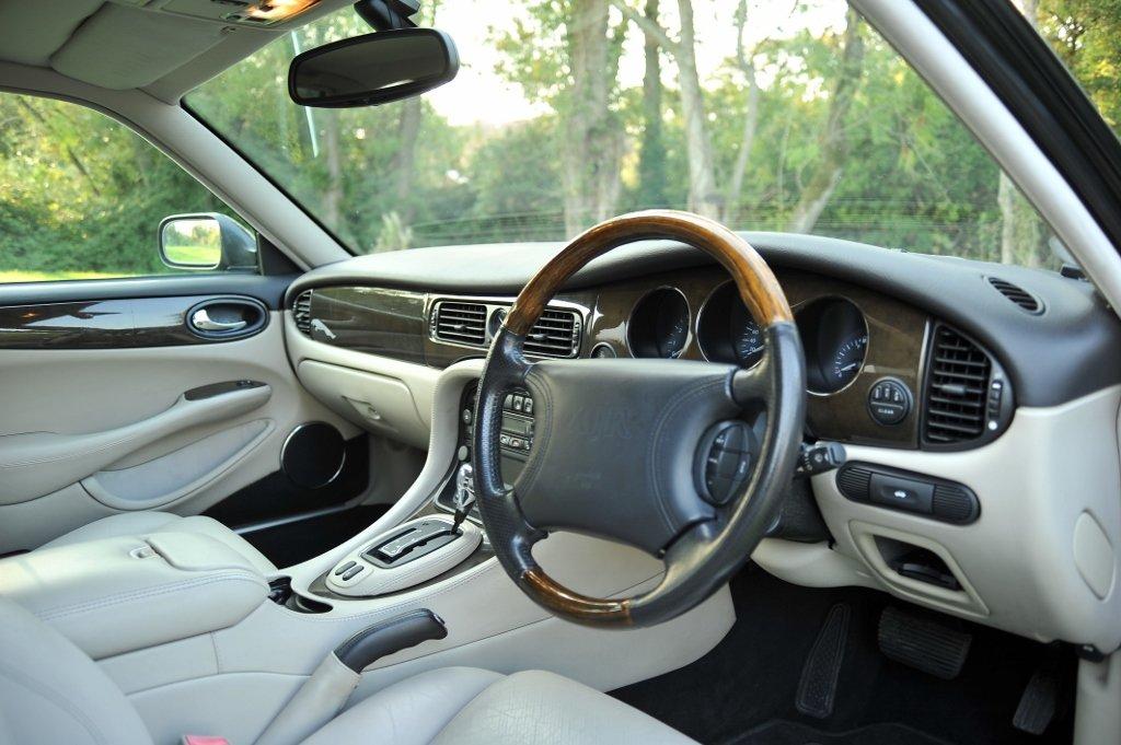 1999 Japanese Import Jaguar XJR For Sale (picture 5 of 6)