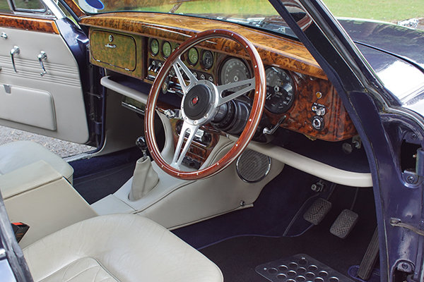 1964 Jaguar S-Type Hire | Hire a self-drive S-Type in Yorkshire For Hire (picture 2 of 5)