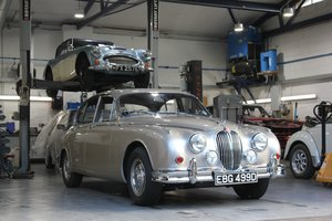 Picture of 1966 Jaguar MK2 3.4L MOD matching numbers 70k miles