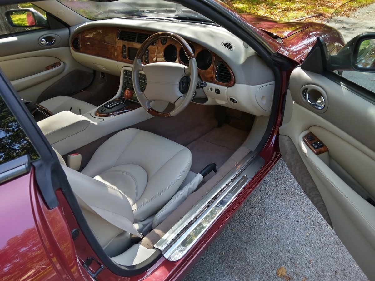 2001 Jaguar XKR Coupe 23750 Miles Only. Outstanding Condition For Sale (picture 4 of 6)