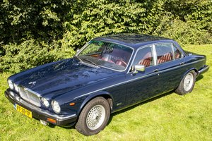 Picture of Jaguar Sovereign V12 1986 For Sale