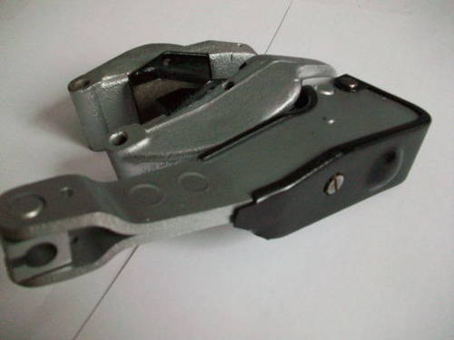 CLASSIC JAGUAR RECONDITIONED REAR HAND BRAKE CALIPERS  (picture 3 of 4)