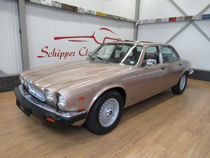 Picture of 1986 Jaguar XJ12 H.E. Vanden Plas Series III For Sale
