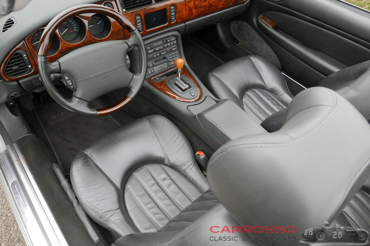 2004 Jaguar XK8 4.2 Convertible in good condition For Sale (picture 6 of 12)