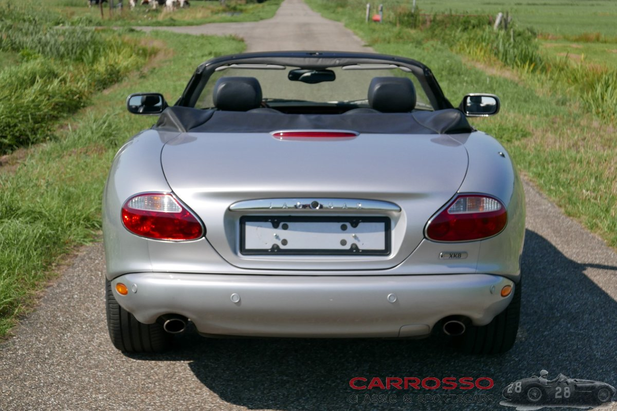 2004 Jaguar XK8 4.2 Convertible in good condition For Sale (picture 9 of 12)