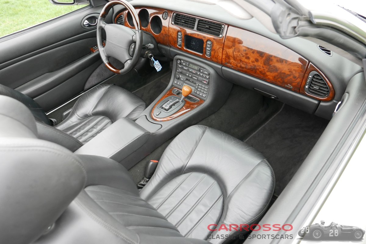 2004 Jaguar XK8 4.2 Convertible in good condition For Sale (picture 10 of 12)